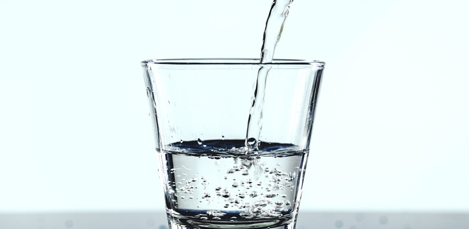 urinari frecvente si apa
