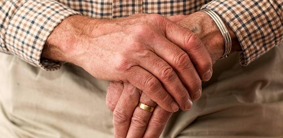 simptome artrita artroza