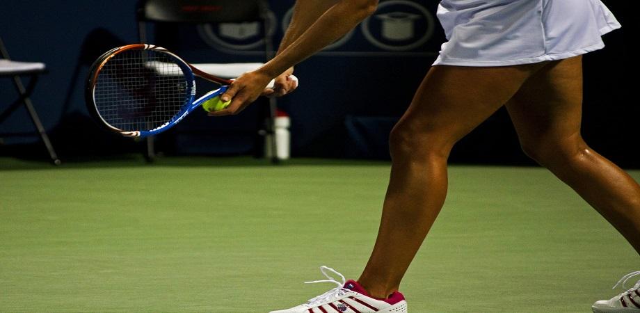 cotul jucatorului de tenis