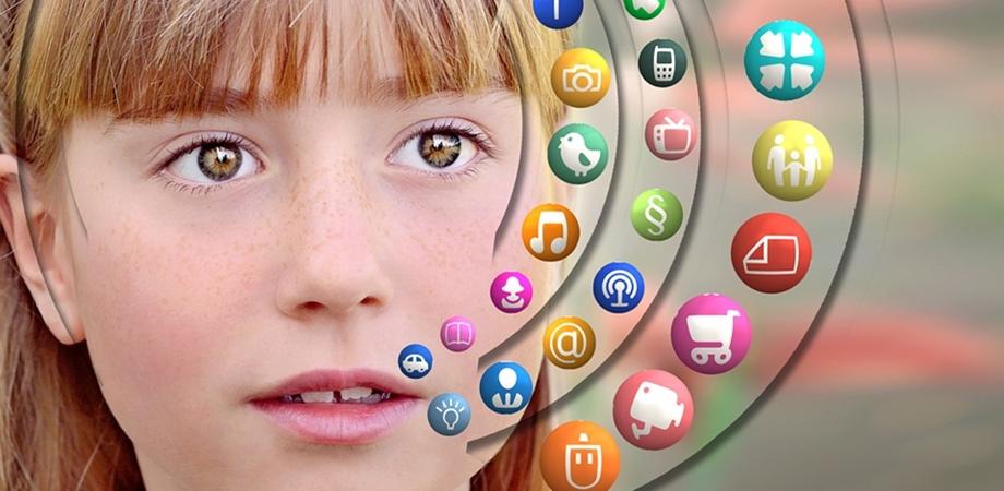 copiii si ecranele digitale