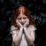 Depresia la copii si adolescenti – semne, cauze, solutii