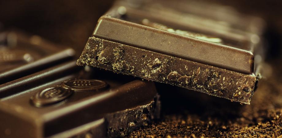 ciocolata neagra beneficii