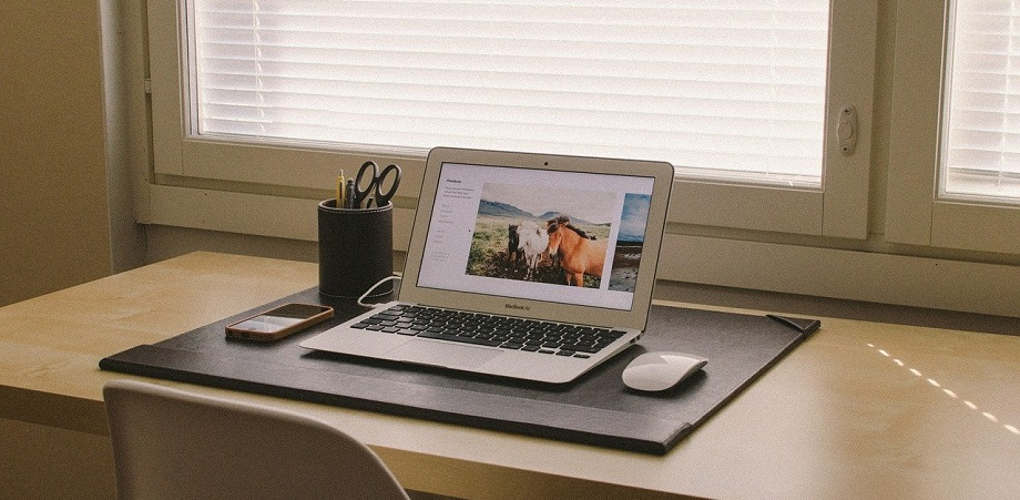 munca-de-acasa-biroul