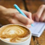Rutina de dimineata – obiceiuri benefice cu care sa incepi ziua